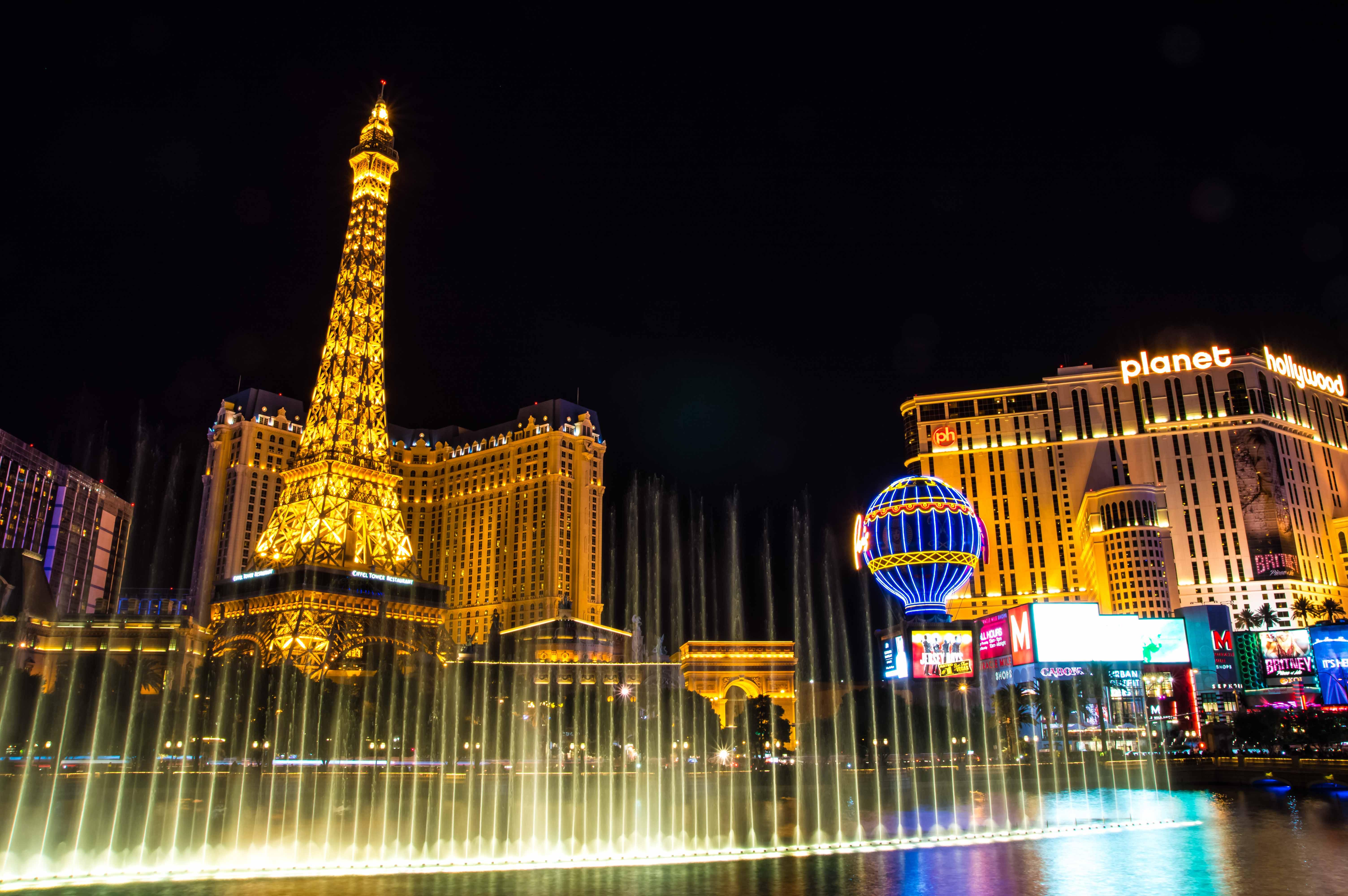 Vegas Eiffel Tower Tour Guide